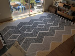 Beautiful, Excellent Condition 9'x12.5' Modern Rug for Sale in Playa del Rey, CA
