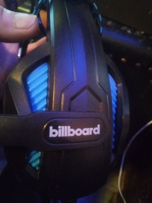 Billboard gaming headset for Sale in Fresno, CA