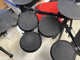 Alexis Nitro Electronic Drum Kit (No Pedals) for Sale in Tukwila,  WA