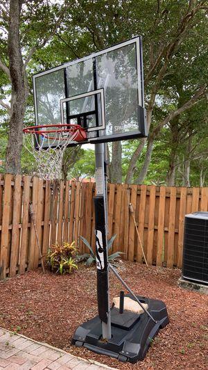 Spaulding Basketball 🏀 Hoop for Sale in Hialeah, FL