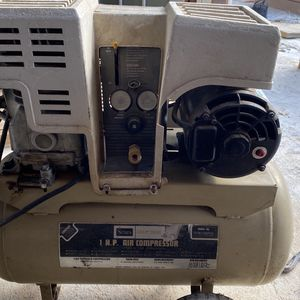 Air Compressor Craftsman Made In USA for Sale in Glenarden, MD