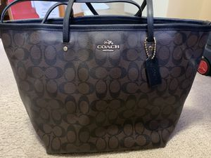 Coach zip tote (new with tag) for Sale in Kent, WA