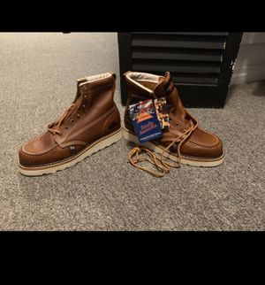 """Thorogood work boots women's 6"""" moc toe, ( size 9) for Sale in Queens, NY"""