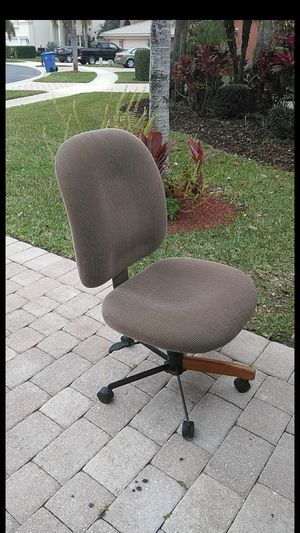 Office chair for Sale in Royal Palm Beach, FL