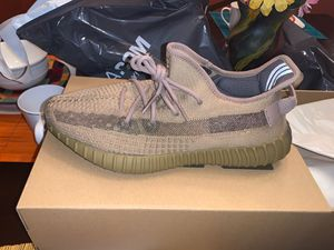 Adidas Yeezy Boost 350 V2 Earth: Size 10.5 for Sale in Clayton, NJ