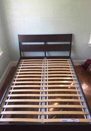 Queen bed frame for Sale in Berkeley, CA