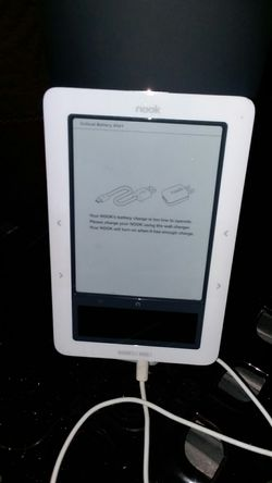 Barnes and noble nook and fast to read to you for Sale in Mastic,  NY