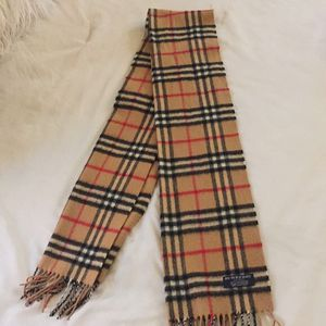 Burberry Scarf for Sale in Alexandria, VA