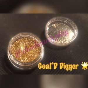 Gold Glitters for Sale in Lynwood, CA