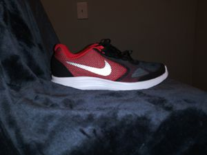 New Nike B Revolution 3 GS size 6y us for Sale in Dallas, TX