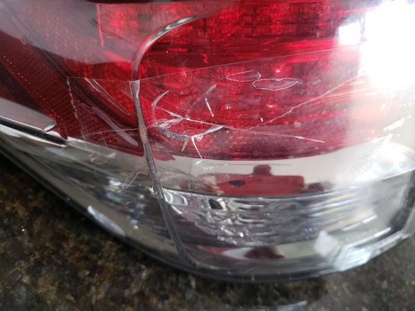 2015 Lexus rx350 left rear tail light
