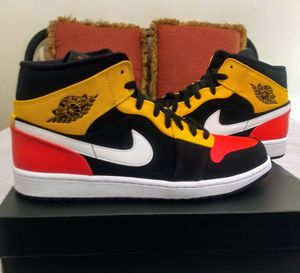 Air Jordan 1 retro mid size 10.5 no shipping meet in person for Sale in Reading, PA