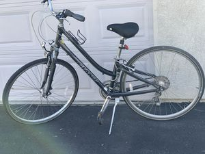 Giant cypress bike retail price was $500 good condition for Sale in Mission Viejo, CA