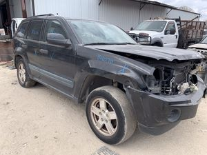 2005 Jeep Grand Cherokee FOR PARTS ONLY !!!! for Sale in Dallas, TX