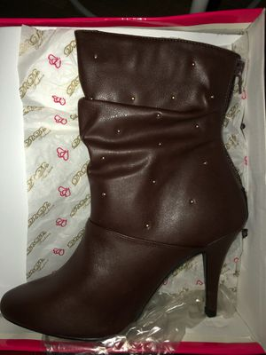 New boots size 5 for Sale in Roseville, CA