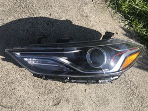 2017-2018 Hyundai Elantra Sports Turbo Right Driver Headlight HID OEM for Sale in Costa Mesa, CA