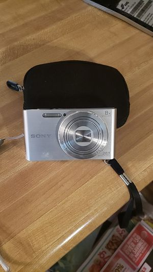Sony digital camera 20mp 8 x opt for Sale in Tulare, CA