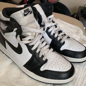Jordan Retro High OG Black/White for Sale in Monroe Township, NJ