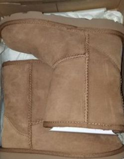Brand new girl Ugg boots sz. 13 for Sale in Atlanta,  GA