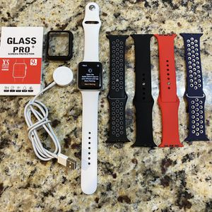 Apple Watch Series 2 42mm Everything works great, reset and ready to go. for Sale in Nashville, TN