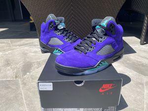 Jordan 5 Retro Alternate Grape Size 8 for Sale in Beverly Hills, CA