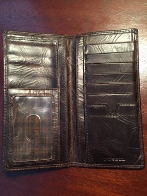 Fossil Tall Bi-fold Leather Wallet for Sale in Saint Louis, MO