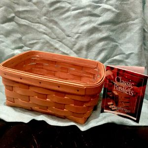 LONGABERGER CLASSIC HANDWOVEN BASKET for Sale in Lake Forest, CA
