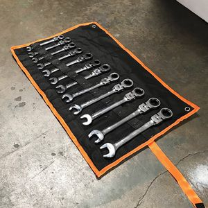 Brand New $40 Flexible Head 12pcs Ratcheting Wrench Spanner Tool Set 8-19mm Metric for Sale in Whittier, CA