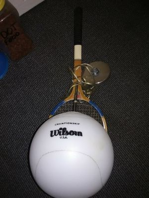Tennis racket hanging light for Sale in St. Louis, MO