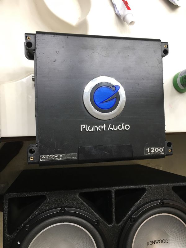 Two 12 in a pro box, a amp and radio