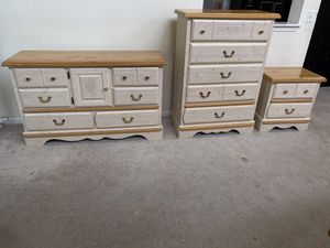 Kathy Ireland Home Princess Bouquet Collection Dresser, Chest and Nightstand for Sale in Romeoville, IL