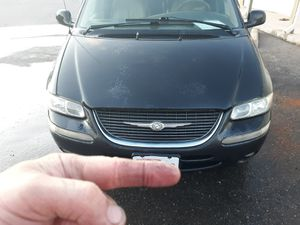 1998 Chrysler Town Country LXI for Sale in East Wenatchee, WA