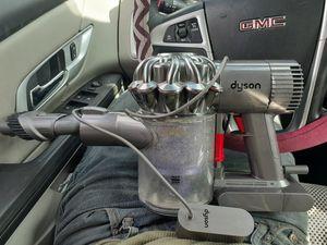 Dyson big vacuum cleaner for Sale in Atascocita, TX