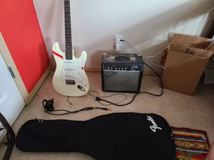 Fender squier, fender amp plus carrying case for Sale in Orting, WA