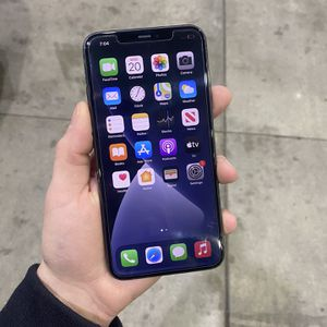 iPhone 11 Pro Max - Verizon Unlocked Any Carrier for Sale in Saint Ann, MO