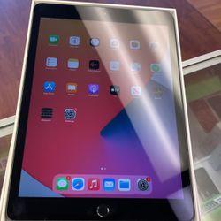 iPad 7th Gen 32gb WiFi for Sale in Miami Gardens,  FL