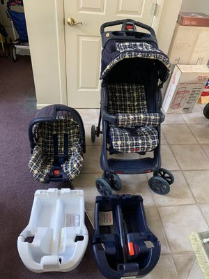 Convertible Stroller with Infant Car Seat and Two Car Bases for Sale in Brunswick, OH