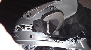 Fox Racing dirt bike helmet for Sale in Cedar Park, TX