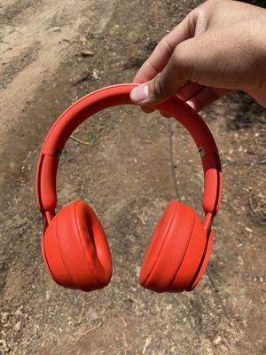 Beats solo pro wireless noise cancelling headphones for Sale in San Marcos, CA