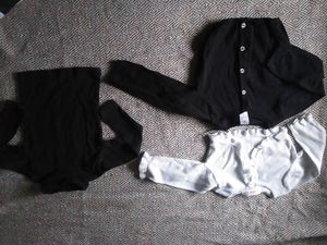 21 pieces: 18 month- 4T girls winter clothes for Sale in Huffman, TX