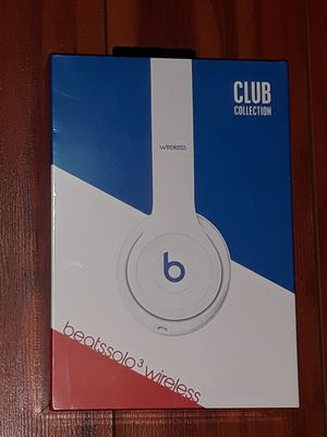 Beats by Dr. Dre Solo3 Club Collection On Ear Wireless Headphones club white for Sale in Kent, WA