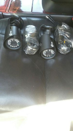 Security cameras with cables 100 feet for Sale in Santa Ana, CA