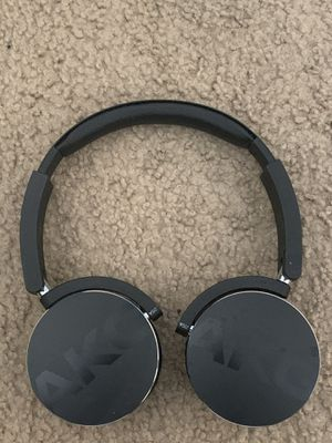 Wireless AKG Headphones w/ Case for Sale in Ceres, CA