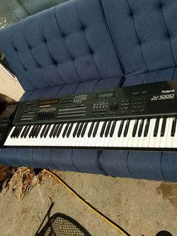 Roland JV-1000 for Sale in Fresno,  CA
