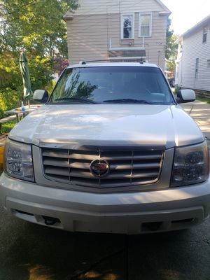 05 Cadillac Escalade for Sale in WARRENSVL HTS, OH