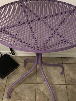 Cute Lavender Outdoor Table for Sale in Tucson,  AZ