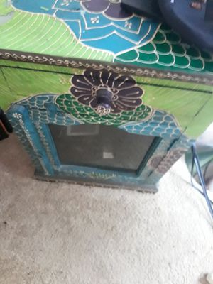 Colorful end table for Sale in Orlando, FL
