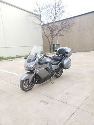 2008 Kawasaki concours low miles runs great clean title TRADES!? for Sale in Arlington, TX