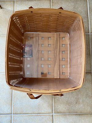 Longaberger Large Basket 🧺 with protector🤩 for Sale in Wantagh, NY