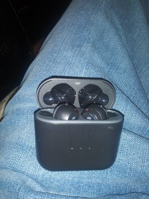 SKULLCANDY WIRELESS HEADPHONES for Sale in OLD RVR-WNFRE, TX